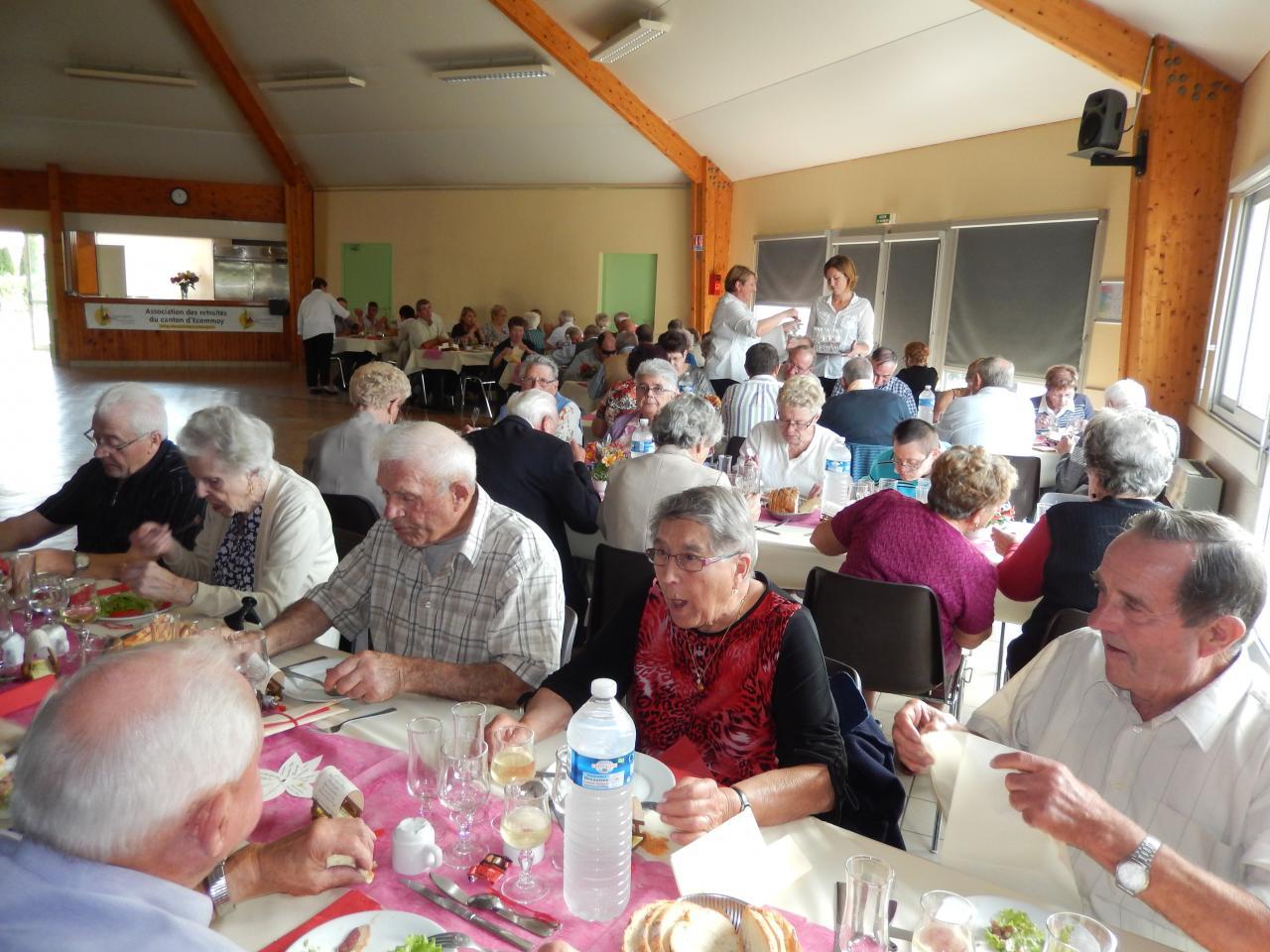 Repas annuel des adhérents de St Ouen en Belin